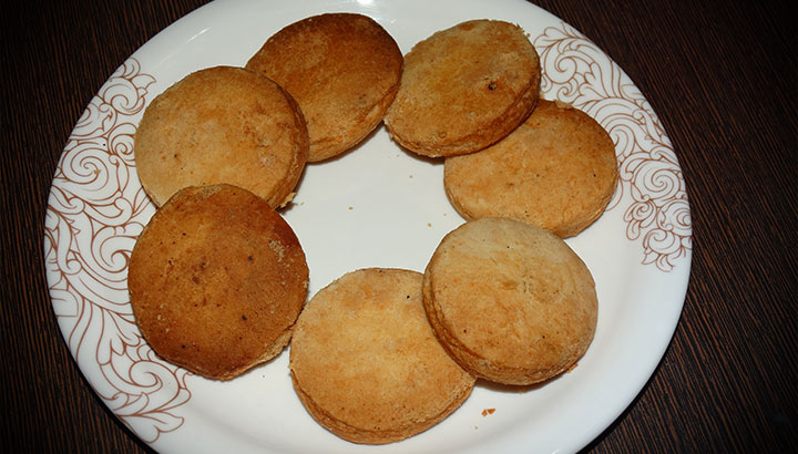 Maida Biscuit Recipe In Hindi